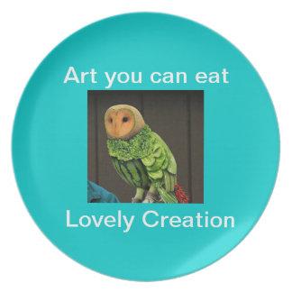 Búho hecho con la placa de la comida plato para fiesta