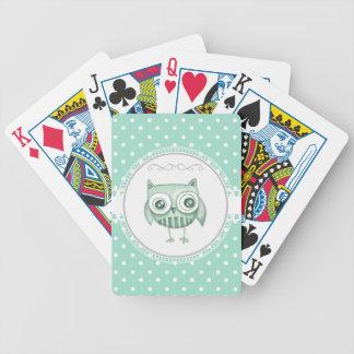 Búho hermoso con los lunares en trullo cartas de juego