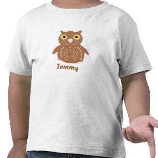 Búho lindo de Brown, y nombre, camisetas del niño