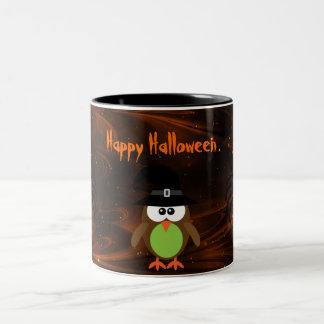 Búho lindo de Halloween y noche mágica de las Taza De Dos Tonos