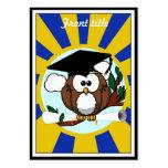 Búho lindo de la graduación del dibujo animado con plantillas de tarjetas de visita