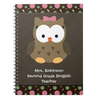 Búho lindo de la niña, rosado/verde/Brown Notebook