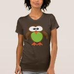 Búho lindo del dibujo animado de Brown, del verde  Camisetas