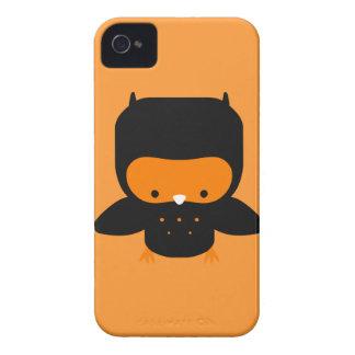 Búho lindo del naranja y del negro carcasa para iPhone 4 de Case-Mate