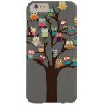 Búho lindo en fondo del árbol el | funda para iPhone 6 plus barely there