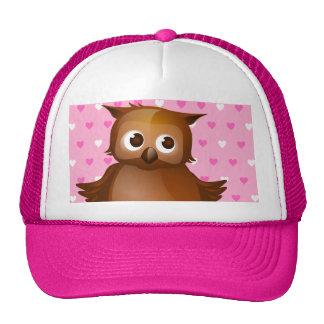 Búho lindo en fondo rosado del modelo del corazón gorras de camionero