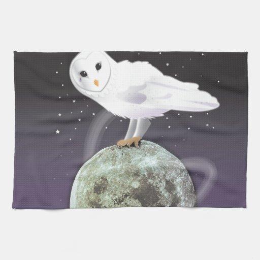 Búho Nevado en el claro de luna Toallas De Cocina