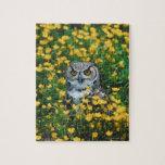 Búho observado naranja en el prado de flores rompecabeza con fotos