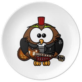 Búho punky con la guitarra platos de cerámica