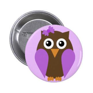 Búho púrpura y un botón del arco