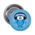 Búho retro azul enrrollado con los auriculares pins