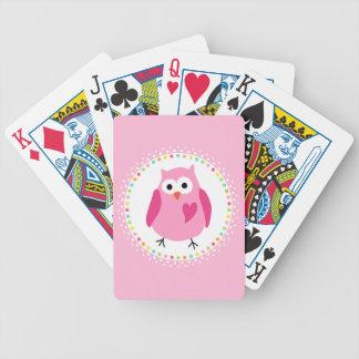 Búho rosado con el corazón y la frontera colorida barajas de cartas