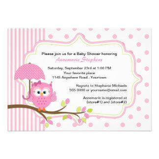 Búho rosado con la fiesta de bienvenida al bebé de invitación personalizada