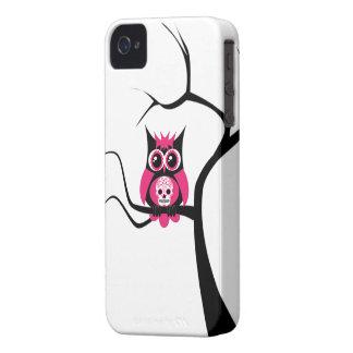 Búho rosado del cráneo del azúcar en caso del iPhone 4 Case-Mate carcasa