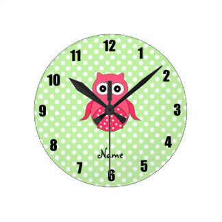 Búho rosado lindo conocido personalizado relojes de pared