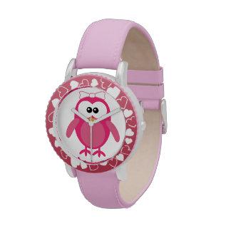 Búho rosado lindo del vector con la cinta relojes de mano