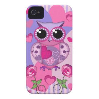 Búho, rosas y corazones románticos carcasa para iPhone 4 de Case-Mate