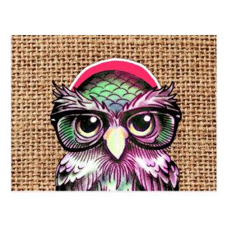 Búho sabio del tatuaje colorido fresco con los vid tarjeta postal