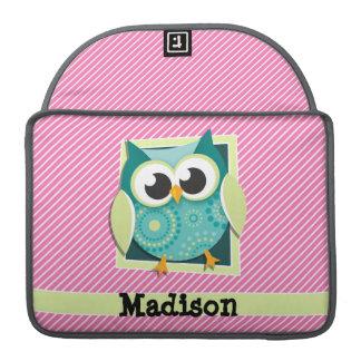 Búho verde en rayas rosadas y blancas fundas para macbooks