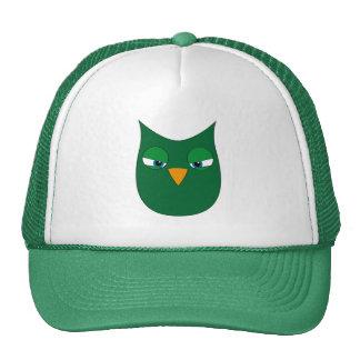 Búho verde enojado gorras