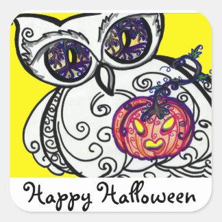 """Búho y calabaza de """"Hallowee feliz"""" de los Pegatina Cuadrada"""