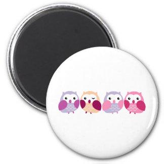 Búhos coloridos lindos - rosados y pasteles púrpur imán redondo 5 cm