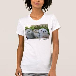 Búhos de cuatro en punto camisetas