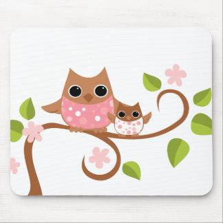 Búhos de la mamá y del bebé mousepad