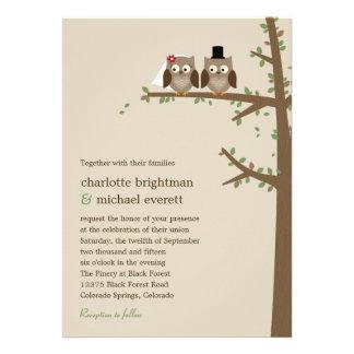 Búhos del amor que casan la invitación