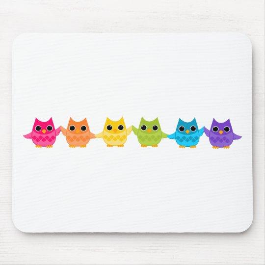 Búhos del arco iris alfombrilla de ratón