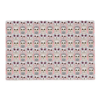 Búhos del bebé en pálido - modelo rosado del fondo tapete individual