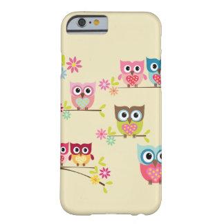 Búhos en colores pastel preciosos - caso del funda de iPhone 6 barely there