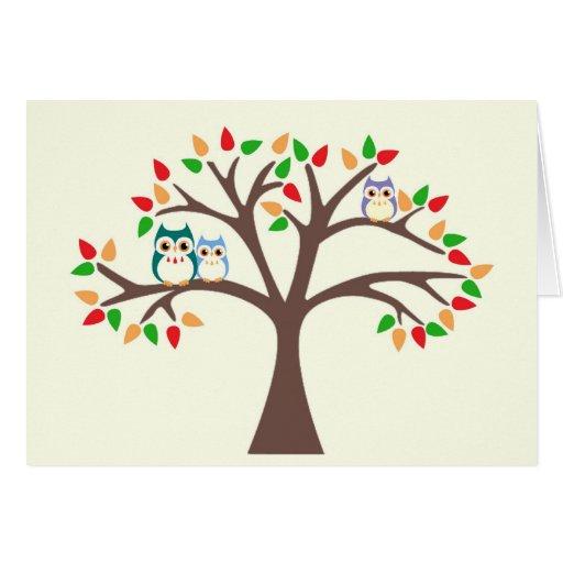 Búhos en el árbol de la Todo-Estación Felicitacion