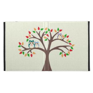 Búhos en el árbol de la Todo-estación