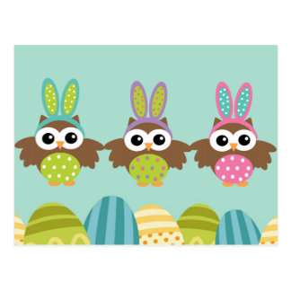 Búhos felices del conejito de pascua tarjetas postales