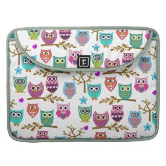 búhos felices funda macbook pro