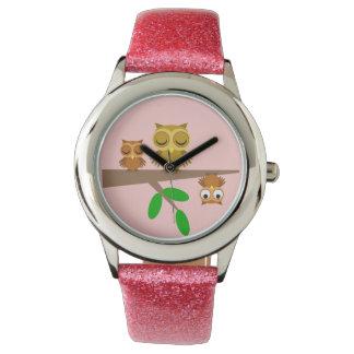 búhos lindos y divertidos reloj