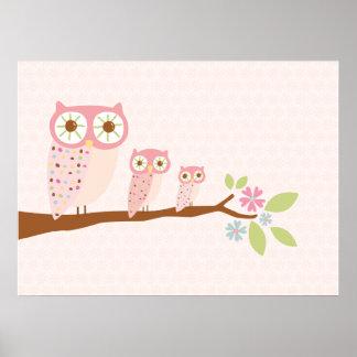 Búhos rosados en una lona/una impresión de la fila