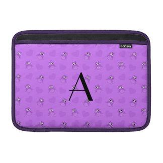 Búhos y corazones púrpuras en colores pastel del m fundas para macbook air
