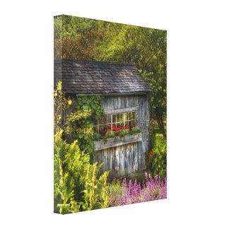 Building - A summers dream Canvas Print