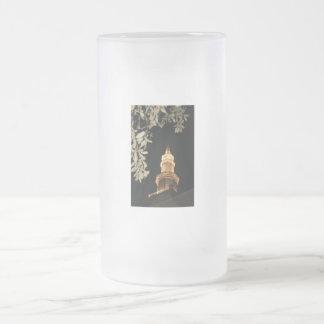 Building dome and leaf frame frosted glass beer mug