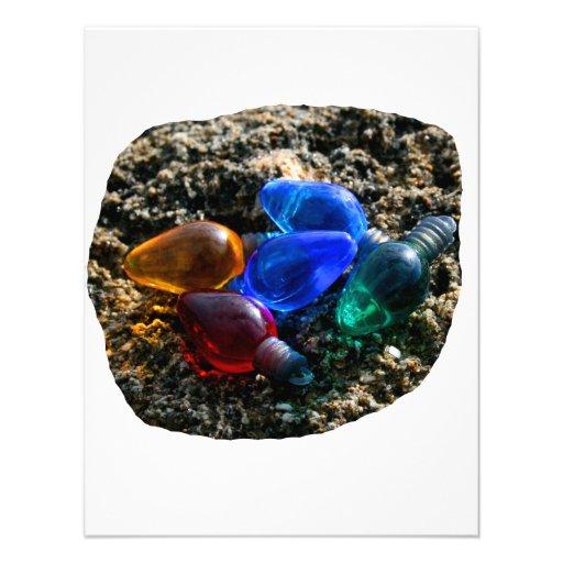 Bulbos coloridos del navidad en fotografía de la a comunicado personalizado
