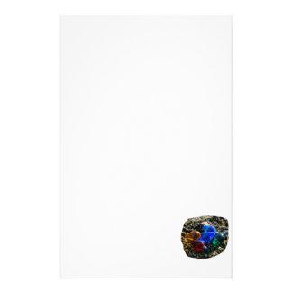 Bulbos coloridos del navidad en fotografía de la a papelería personalizada