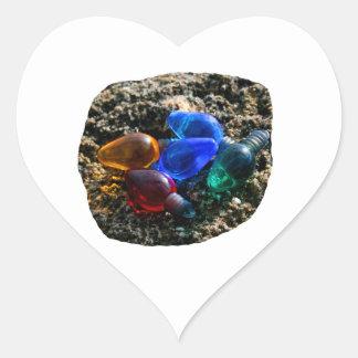 Bulbos coloridos del navidad en fotografía de la calcomanías de corazones