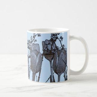 bulbos de los azules cielos taza de café