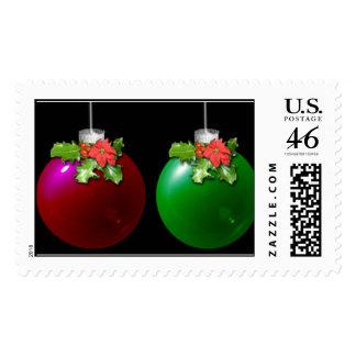 Bulbos rojos y verdes del navidad