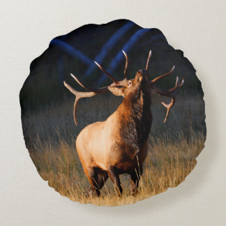 Bull Elk with Head Back Round Pillow