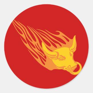 Bull llameante #1 pegatina redonda