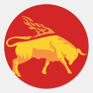 Bull llameante #7 pegatina redonda