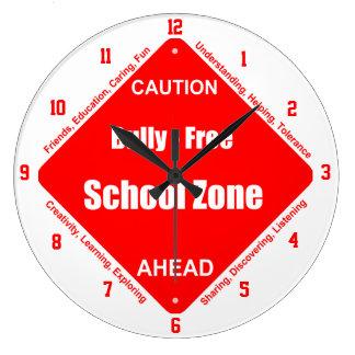 Bully - Free Clock